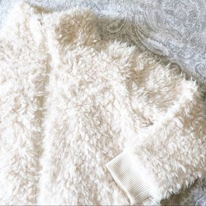 AMERICAN EAGLE Faux Fur Jacket Small NEW